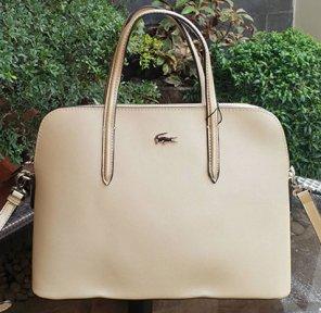 LBMS-Lacoste-Womens-Chantaco-Dual-Carry-Pique-Leather-Bugatti-Bag-body3